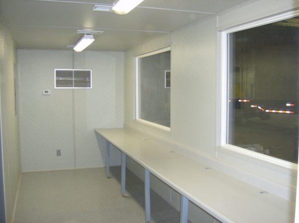 40-office-oversized-veiwing-windows
