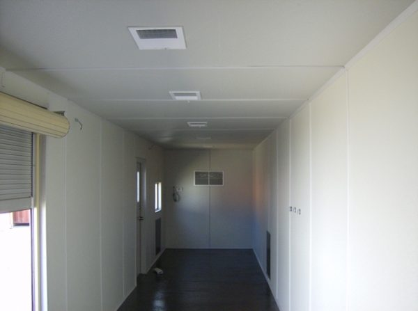 40-office-with-frp-insulated-rollup-door