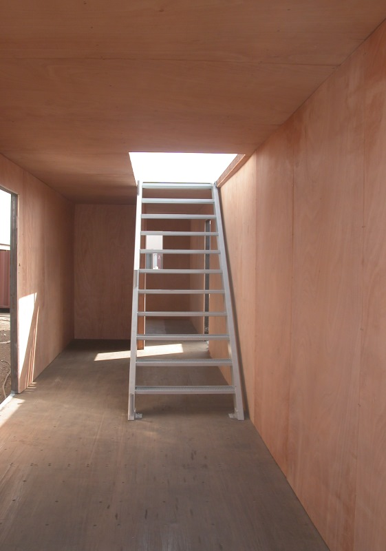 h-container-interior-stairs